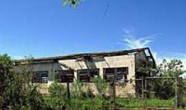 Arco-Íris - Antiga Escola do Bairro Bandeirantes-Foto:Eduardo M. P. Dantas