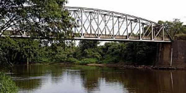 Artêmis-SP-Ponte sobre o Rio Piracicaba-Foto:Adriano Martins