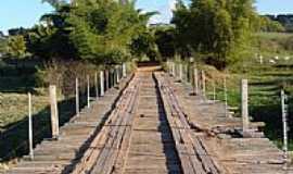 Avencas - Ponte sobre o Rio do Peixe-Foto:Ivan evangelista Jr