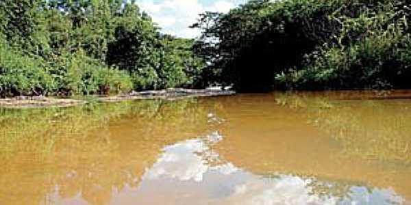 Baguaçu-SP-Ribeirão Baguaçu-Foto:www.folhadaregiao.com.br