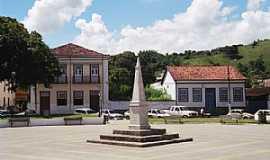 Bananal - Bananal-SP-Obelisco no Centro Histórico-Foto:turismo.culturamix.com