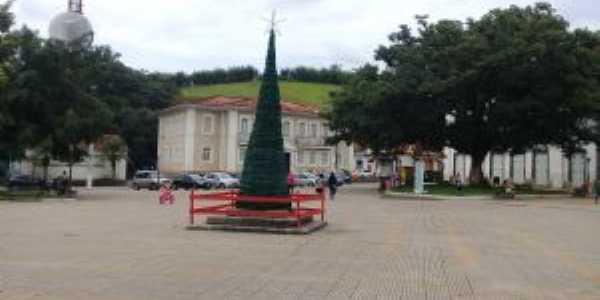 Praça do Obelisco - Praça Rubião Júnior, Por Zéck Broca