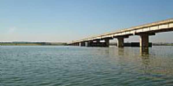 Ponte sobre o Rio Tietê-Foto:Cezar Edberto Paglia…