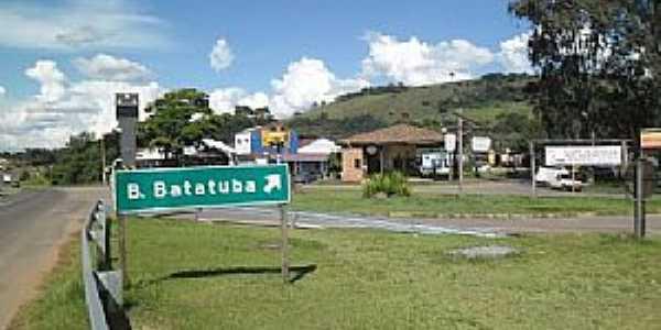 Batatuba-SP-Entrada do Bairro-Foto:www.minube.com.br