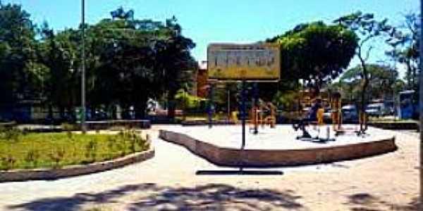 Batista Botelho-SP-Praça no centro do Bairro-Foto:cidadedutranaweb.wordpress.com
