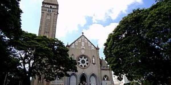 Bauru-SP-Igreja de Santa Terezinha do Menino Jesus-Foto:Fabio Vasconcelos