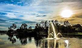 Bebedouro - Lago Artificial e seu Chafariz na Cidade Coração. Foto Cristiane Pavan