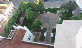 Bilac - jardim visto do alto da torre da matriz, Por Eug�nio leandro Moim�s de Brito