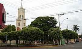 Bilac - Praça e Igreja-Foto:Marcelo Szk