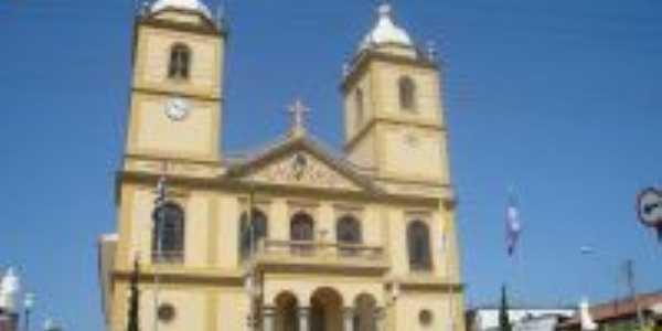 Santuario de Bom Jesus dos perdões com calçadão, Por Satierf