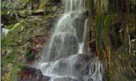 Palmas de Monte Alto - cachoeira do brucunun no parque estadual serra dos montes altos em palmas de monte alto, Por djkibao mandala
