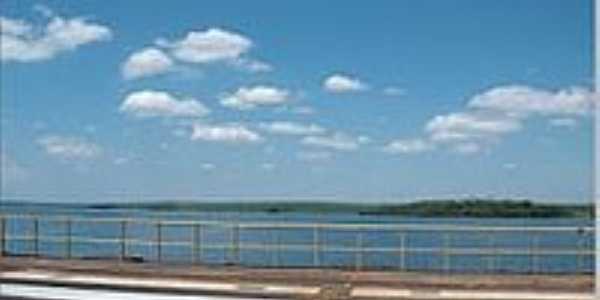 Rodovia sobre a represa do Rio Tietê-Foto:LuziACruzFrata