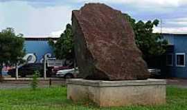Borborema - Borborema-SP-Escultura-Rocha-Foto:BUI IBITINGA