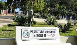 Borebi - Borebi-SP-Praça Cristo Rei-Foto:Adriano Martins