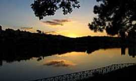 Bragança Paulista - Reflexo Sunset Bragança por Joannis m Mouda
