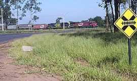 Bueno de Andrada - Bueno de Andrada-SP-Cruzamento da Ferrovia-Foto:MARCO AURÉLIO ESPARZA