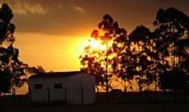 Bueno de Andrada - Pôr do Sol na área rural em Bueno de Andrada-SP-Foto:PatyPeceguiniViana