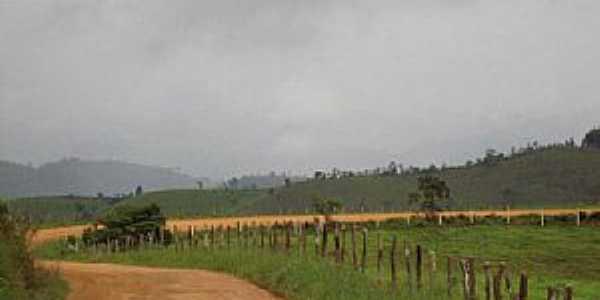 Parafuso-BA-Estrada do Povoado-Foto:Hernane Mendes de Oliveira