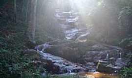Cabreúva - Cachoeira-Foto: R Victor