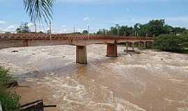 Cachoeira de Emas - Cachoeira de Emas-SP-Ponte sobre o Rio Mogi Guaçu-Foto:Gil Pagliarini