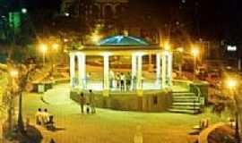 Caconde - Praça da Matriz - Vista Noturna