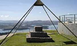 Caconde - Mirante - Pirâmide