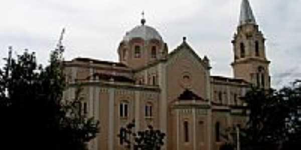 Igreja Matriz de Santa Isabel-Foto:vladimir1966