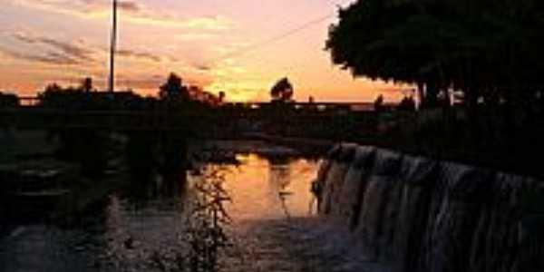 P�r do Sol na Represa Paramirim-BA-Foto:Osm�rio Junior