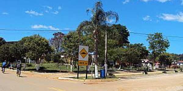 Campina de Fora-SP-Praça central-Foto:CARVALHO