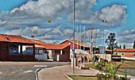 Campina do Monte Alegre - Pra�a-Foto:LuziACruzFrata