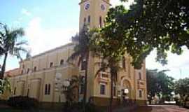 C�ndido Mota - Igreja Matriz de N.Sra.das Dores em C�ndido Mota-SP-Foto:Leila Rusca