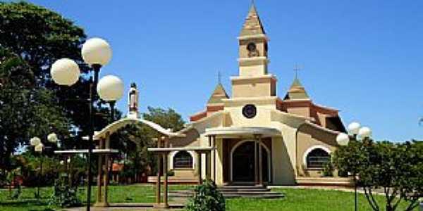 Igreja de Santa Terezinha do Menino Jesus - Cândido Mota/SP -  por Fabio Vasconcelos