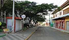 Capela do Alto - Capela do Alto-SP-Praça e rua no centro da cidade-Foto:Marcos Paulo Oliveira