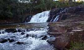 Cássia dos Coqueiros - Cachoeira do Cubatão.