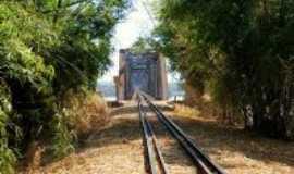 Castilho - Ponte de ferro, -, Por By Raka Consuelo.
