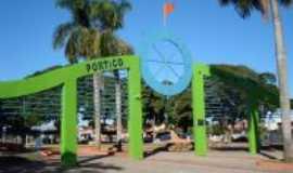 Castilho - Portal da praça da matriz, Por Raka Consuelo.