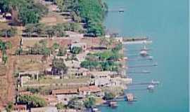 Castilho - Ranchos no lago superior da usina jupia