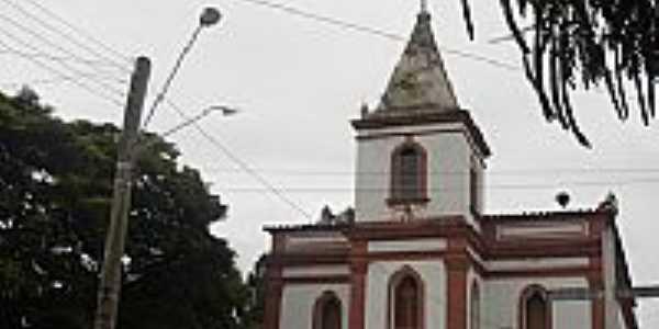 Igreja em Catucaba foto por FERNANDO NEUMANN