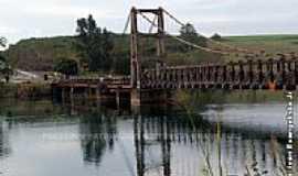 Chavantes - Ponte P�nsil Alves de Lima em Chavantes-SP-Foto:Ivan evangelista Jr