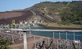 Chavantes - Subindo para a Barragem em Chavantes-SP-Foto:Marcelo Delfino