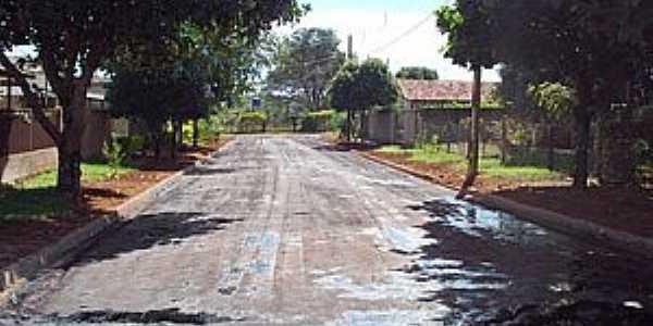Conceição do Monte Alegre-SP-Asfaltamento em Rua do Distrito-Foto:www.paraguacity.com