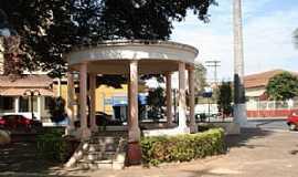 Conchal - Praça da Igreja Matriz / Conchal-SP - por LpsPps
