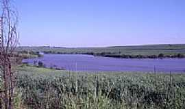 Cosm�polis - Represa Rio Pirapitingui em Cosm�polis por Marcial_Marx