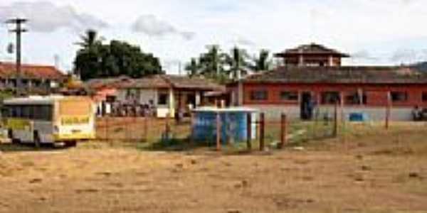 Pau Brasil-BA-Escola dentro da Reserva Indígena Caramuru-Foto:www.nossacara.com