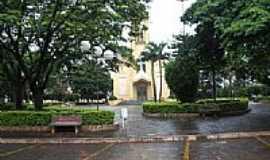 Cosmorama - Praça e Igreja-Foto:marcosrodrigues