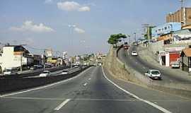 Cotia - Cotia-SP-Entrada da cidade na Rodovia Raposo Tavares-Foto:Roberto Quirino Simões