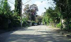 Cotia - Cotia-SP-Rua Cherubina Viana no Bairro Granja Viana-Foto:Roberto Quirino Simões