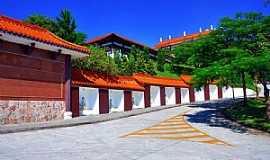 Cotia - Cotia-SP-Templo Zu Lai-Foto:Cris Campanella