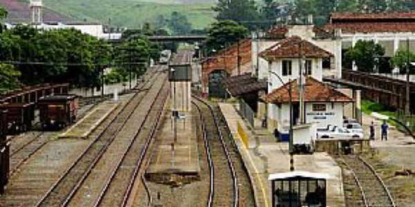 Cruzeiro-SP-Pátio da Estação Ferroviária-Foto:Adriano Martins