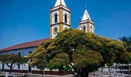 Cunha - Praça da Matriz e Igreja de Nossa Senhora da Conceição
